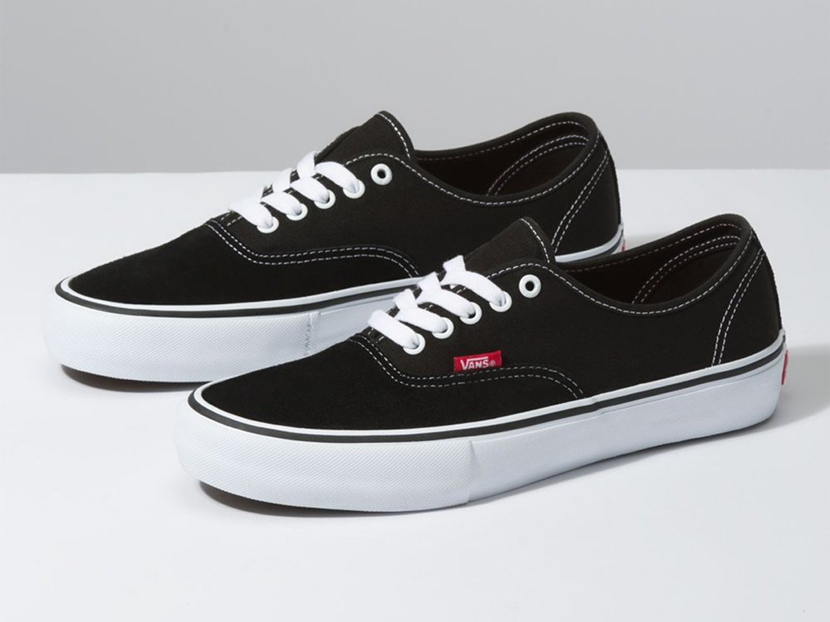vans authentic lo pro black