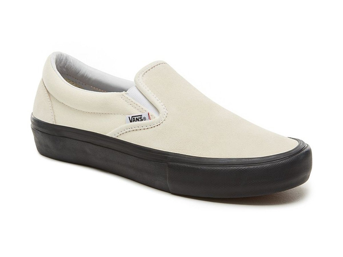 vans slip on pro schuhe classic white black. Black Bedroom Furniture Sets. Home Design Ideas