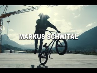 Markus Schwital over the roofs of Garmisch-Partenkirchen