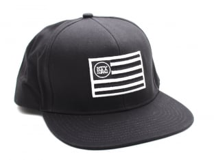 "Stay Strong ""Flag Snapback"" Kappe"