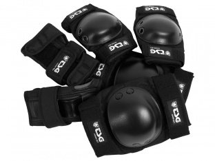 "TSG ""Basic"" Knee + Elbows Pads + Wrist Guard Set - Black"
