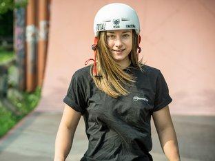 Lara Lessmann -  kunstform BMX Shop Team