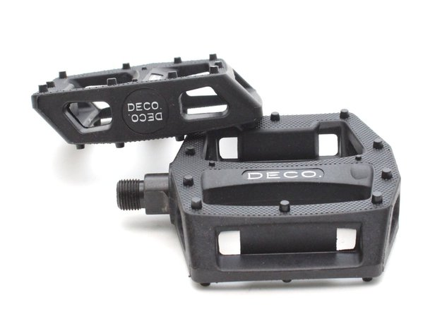 "DECO ""Molded Pins"" Pedals"