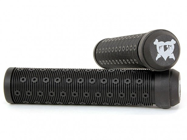 "FBM ""Black Heart"" Grips - Flangeless"