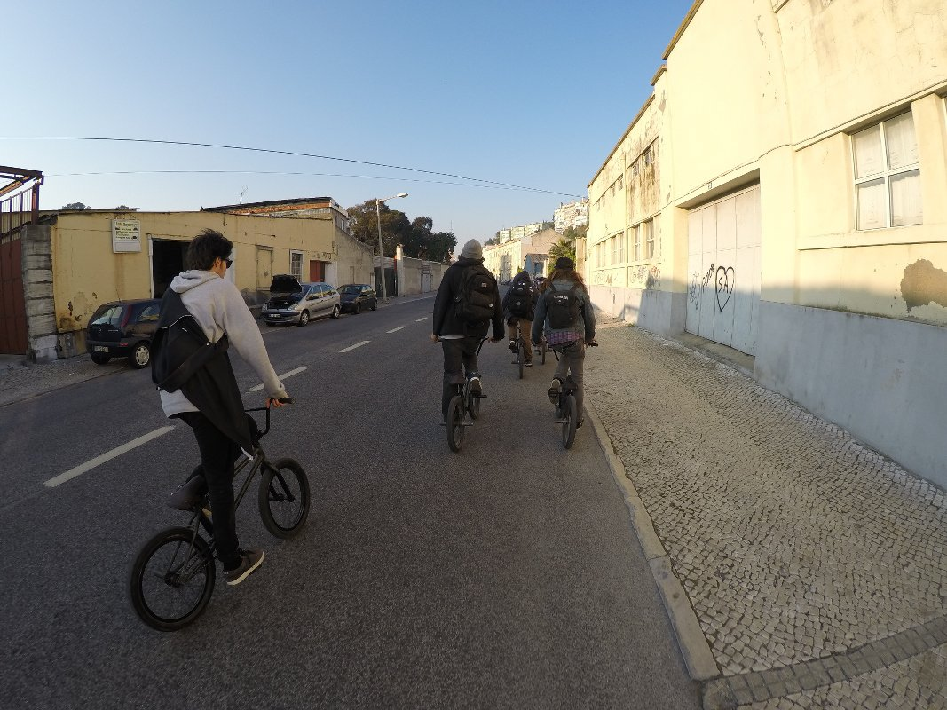 Squad Cruisen in Portugal with bros from another mos